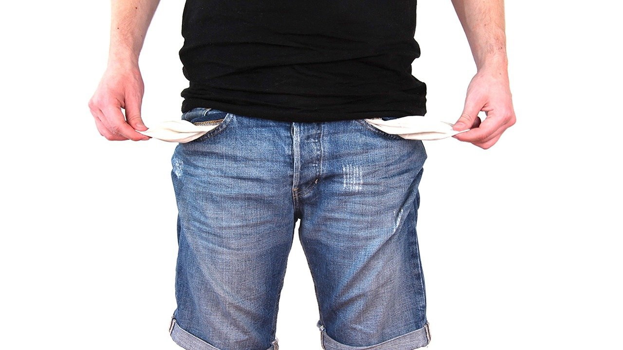 no money - empty pockets
